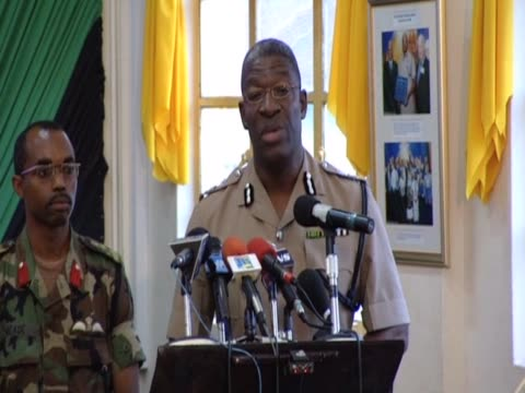 vídeos y material grabado en eventos de stock de commissioner of jamaican police owen wellington comments on operation to capture notorious drugs baron christopher ôdudusõ coke - jamaiquino