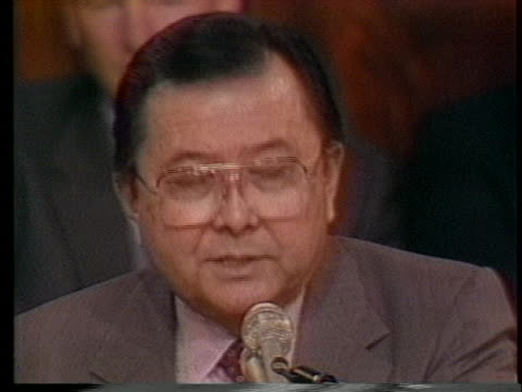 committee chairman daniel inouye comments on the findings of the joint committee on the iranian arms deal, saying that the iran-contra personnel... - 1987 bildbanksvideor och videomaterial från bakom kulisserna
