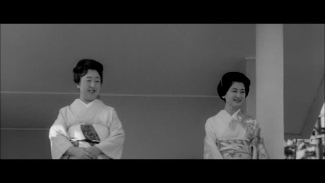 commoners visit the imperial palace/the imperial family/asakusa new year - japanese royalty stock videos and b-roll footage