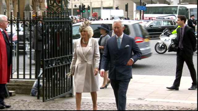 stockvideo's en b-roll-footage met commonwealth day queen elizabeth ii at westminster abbey england london westminster abbey ext bells ringing sot / prince edward and sophie countess... - laten zakken