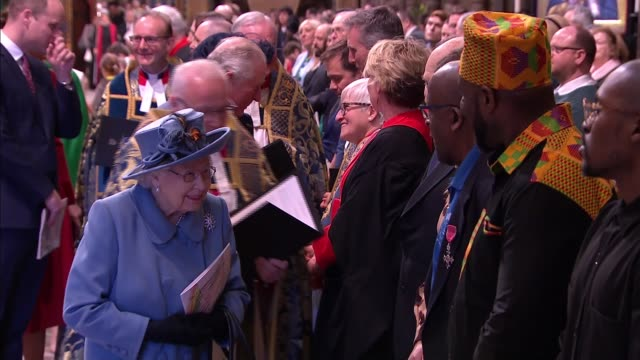 stockvideo's en b-roll-footage met commonwealth day service: royal family and guests inside westminster abbey; england: london: westminster: westminster abbey: queen elizabeth ii and... - westminster abbey