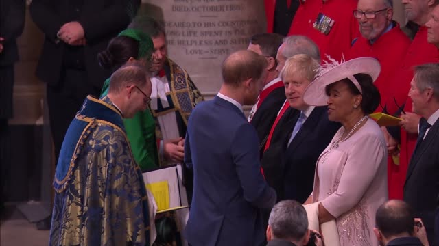 stockvideo's en b-roll-footage met commonwealth day service: royal family and guests inside westminster abbey; england: london: westminster: westminster abbey: int wide shot royals... - westminster abbey