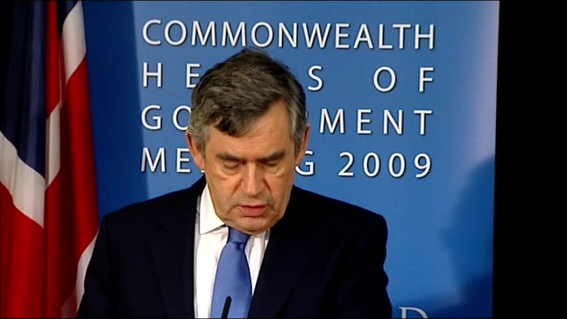 commonwealth meeting gordon brown photocall with ban kimoon / statement on afghanistan trinidad and tobago port of spain int *** flash gordon brown... - union army stock videos & royalty-free footage