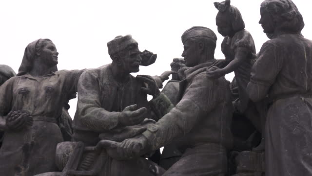stockvideo's en b-roll-footage met communist monuments, sofia, bulgaria - communisme