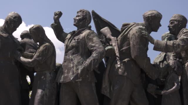 communist monuments, sofia, bulgaria - kommunismus stock-videos und b-roll-filmmaterial