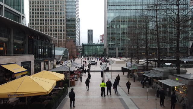 commuters and general city scenes on the first monday after brexit in london uk on monday february 3 2020 - downtown stock videos & royalty-free footage