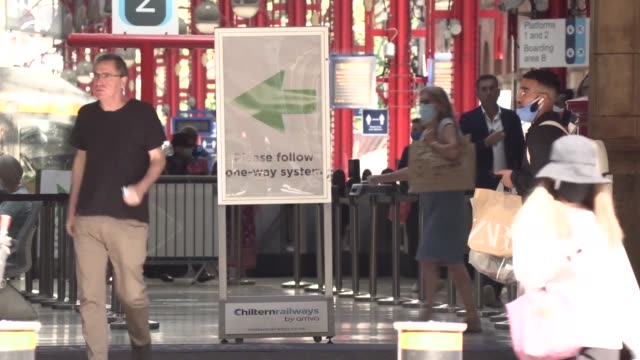 commuters at paddington and marylebone stations as the government urges people to work from home. boris johnson is reacting to a rise in coronavirus... - commuter stock videos & royalty-free footage