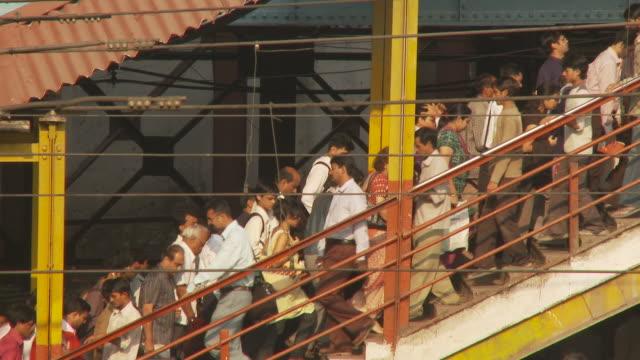 ws commuters at train station / mumbai, india - mumbai stock videos & royalty-free footage