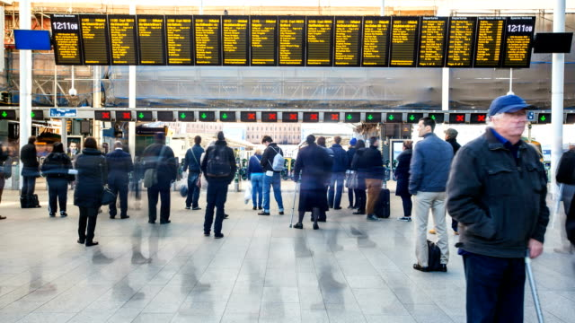 commuters in london - station stock videos & royalty-free footage