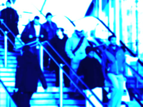 stockvideo's en b-roll-footage met commuters on station stairway. ntsc, pal - vervormd beeld