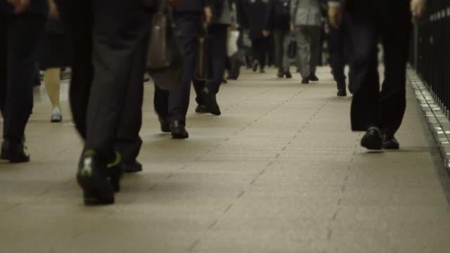 commuters - ora di punta video stock e b–roll