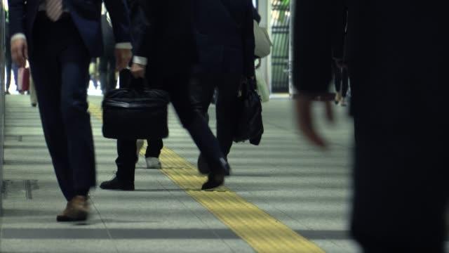 通勤風景 - 忙しい点の映像素材/bロール