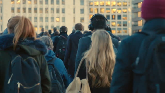 commuters walking to work. sm. - warm clothing stock videos & royalty-free footage