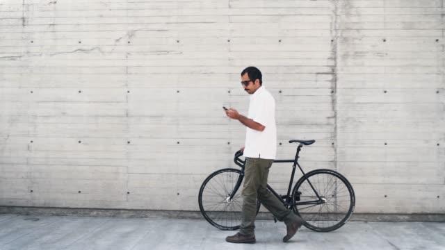 vídeos y material grabado en eventos de stock de desplazamientos en bicicleta en la ciudad de méxico - huella de carbono