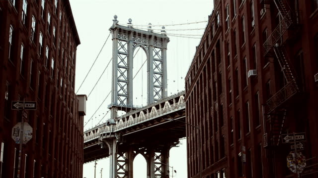 commuting in brooklyn - ponte video stock e b–roll