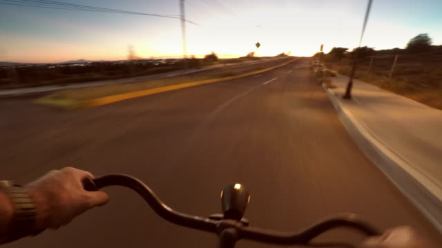 commuting on bicycle - handlebar stock videos & royalty-free footage