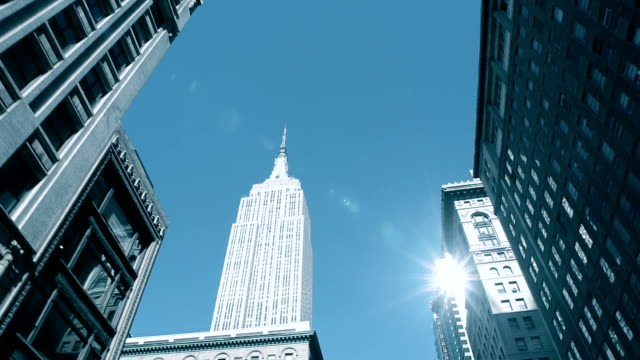 commuting - empire state building video stock e b–roll