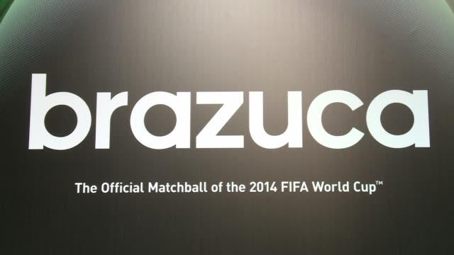 Companera ideal para el buen pie de Messi Neymar o Suarez la Brazuca multicolor rodara a partir del 12 de junio en el Mundial Brasil 2014