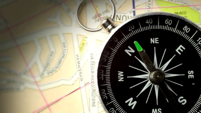compass points to magnetic north