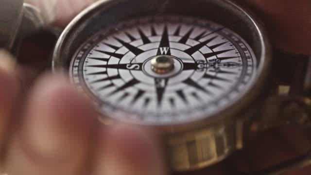 vídeos y material grabado en eventos de stock de compass - geografía física