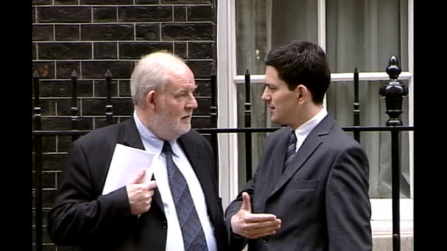 compensation paid to british prisoners threatened with deportation; tx 26.4.2006 westminster: downing street: ext charles clarke mp chatting to david... - prisoner education stock videos & royalty-free footage