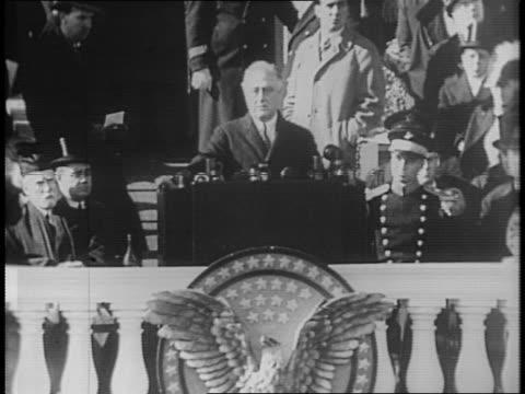 vídeos y material grabado en eventos de stock de completes third inaugural address / crowd stands and applauds. - 1941