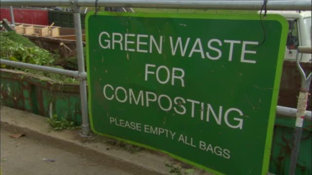 vídeos de stock, filmes e b-roll de cu, compost container at recycling centre, ardley, oxfordshire, united kingdom - oxfordshire