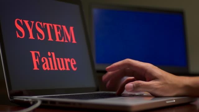 dator låst av ransomware - felmeddelande bildbanksvideor och videomaterial från bakom kulisserna
