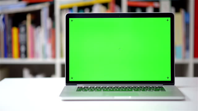 Computer screen chroma key tracking