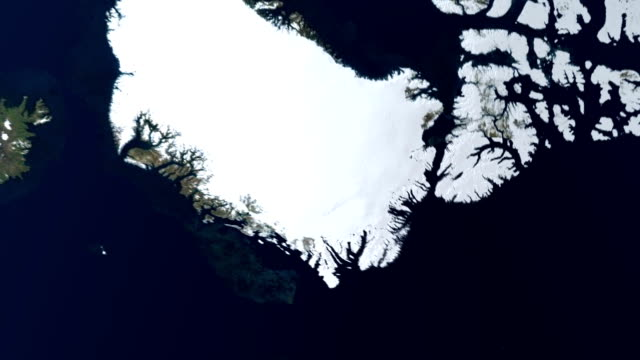 vidéos et rushes de a computerized image of earth focuses in on north america. - hémisphère nord