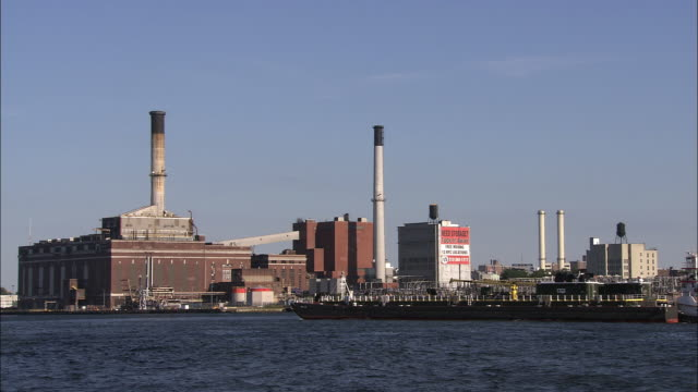 con ed power plant on the east river - industrial district stock videos & royalty-free footage