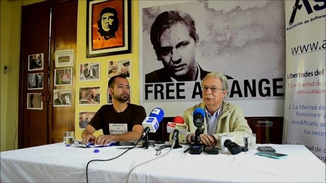 vídeos de stock, filmes e b-roll de con el destino del periodista julian assange pendiendo de las proximas elecciones presidenciales en ecuador el teologo brasileno frei betto pidio al... - fundador