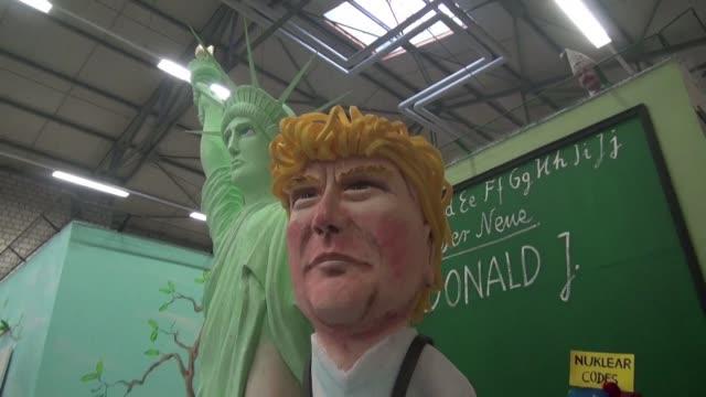 con monigotes de figuras politicas los alemanes dan un toque de satira a sus celebraciones de carnaval fiestas en las que no olvidan las... - satire stock videos & royalty-free footage