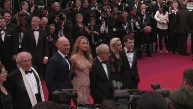 Con un desfile de las estrellas del cine por su alfombra roja el Festival de Cannes abrio su edicion 69 en la que 21 largometrajes se disputaran la...