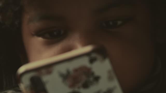 vídeos de stock, filmes e b-roll de concentração - curiosidade
