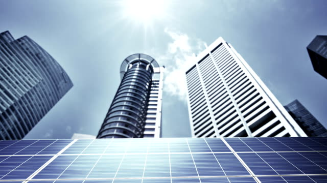 Konzept solar-panel und business-Stadt