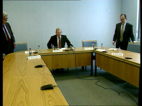 concerns raised about the increase in russian spying england london whitehall tom king sits at intelligence cttee pkf as joined by others - miteinander verbunden stock-videos und b-roll-filmmaterial
