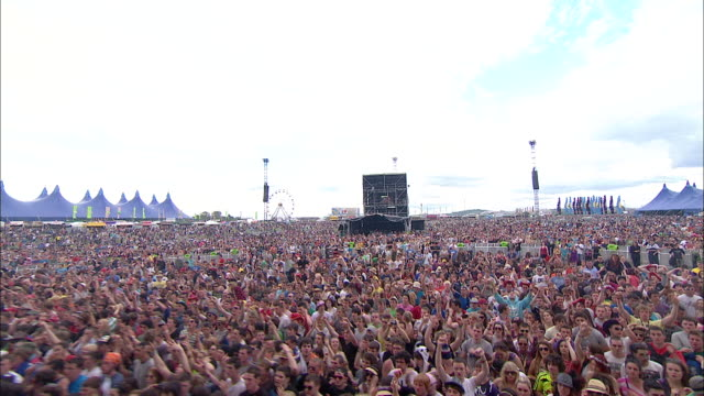 m/s ext concert crowd festival day jumping - festival goer stock videos & royalty-free footage