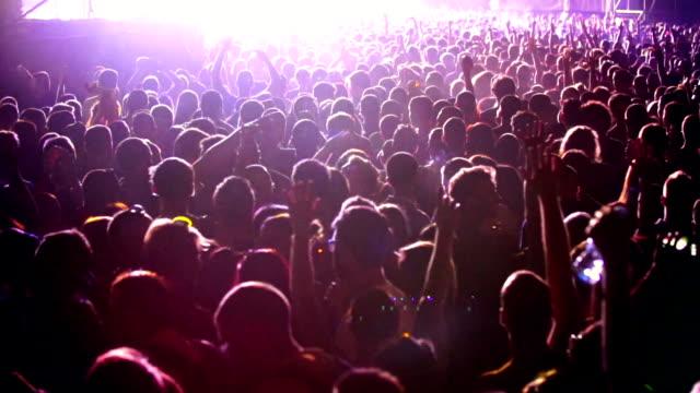 vídeos y material grabado en eventos de stock de multitud de conciertos. - public celebratory event
