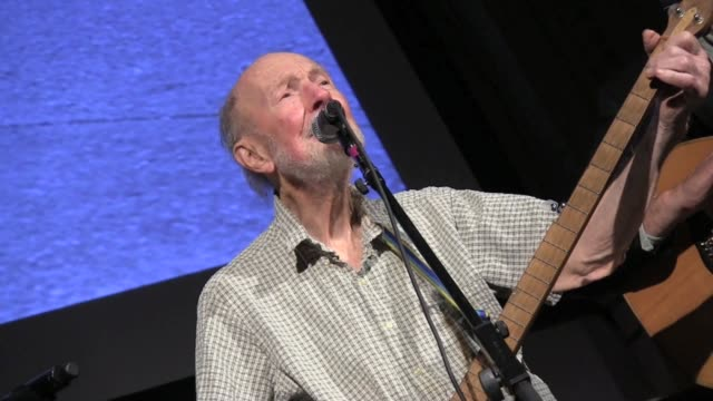 / concert in conjunction with exhibition Folk City New York and the American Folk Music Revival many folk musicians on stage with Pete Seeger...
