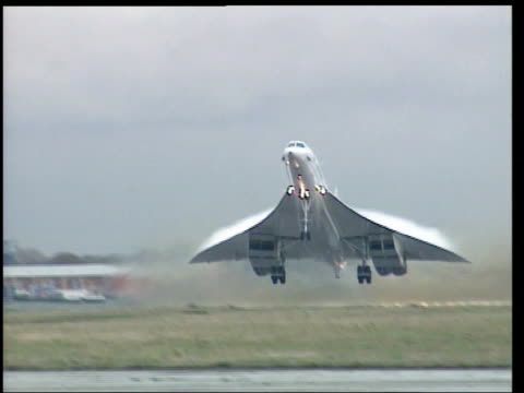 concorde final journey along thames on barge lib concorde taking off concorde in flight concorde landing - british aerospace concorde stock videos & royalty-free footage