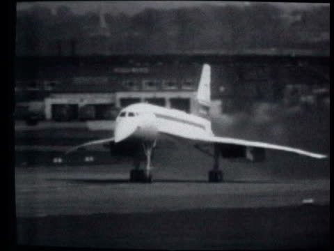 concorde tours britain in final week of flight lib filton w footage concorde taxiing taking off during test flight ends - british aerospace concorde stock videos & royalty-free footage