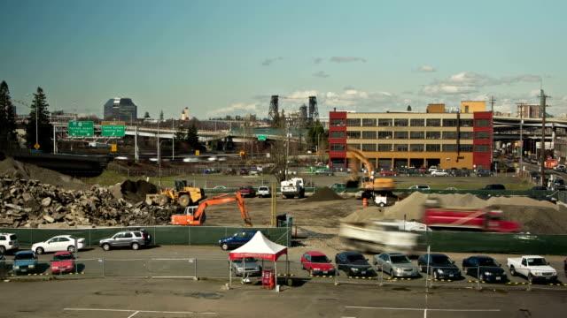 stockvideo's en b-roll-footage met concrete demolition site - interstate snelweg amerika