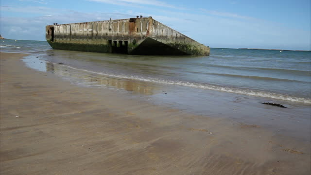 beton moll in d-day, normandie - normandie stock-videos und b-roll-filmmaterial