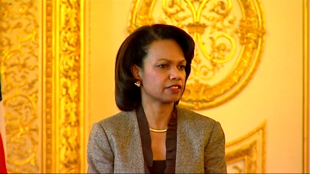 condoleezza rice and david miliband photocall press conference downing street arrival and gordon brown meeting condoleezza rice press conference sot... - things that go together stock videos & royalty-free footage