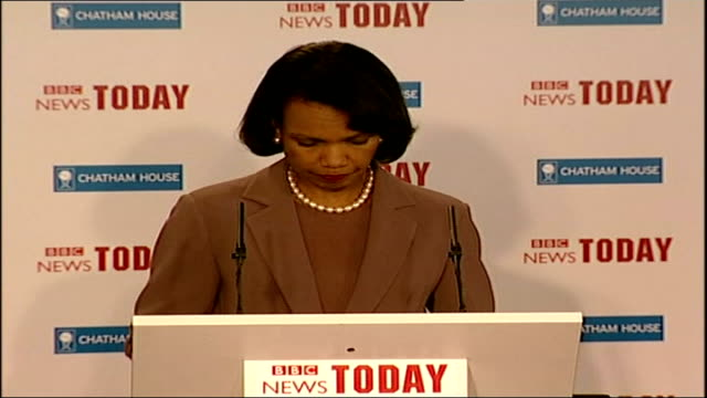 condoleezza rice visit to blackburn blackburn int lord hurd and jack straw sitting at question answer session ditto with rice speaking at podium... - {{relatedsearchurl(carousel.phrase)}}点の映像素材/bロール