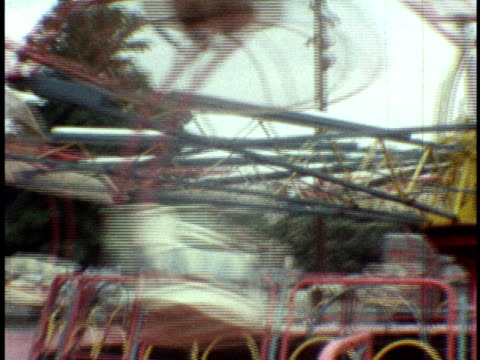 1973 ms coney island amusement park, catapult ride / brooklyn, new york - coney island stock-videos und b-roll-filmmaterial