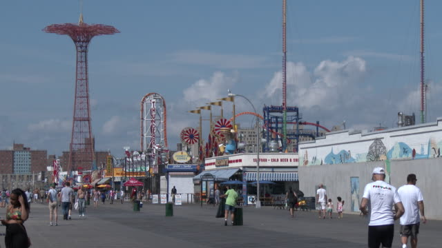 coney island boardwalk, luna park, parachute jump - summer heat wave - scott mcpartland stock videos & royalty-free footage