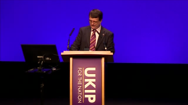 gerard batten speech; england: west midlands: birmingham: int gerard batten mep speech sot. - wants ukip to be populist - ポピュリズム点の映像素材/bロール