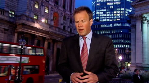 governor of the bank of england addresses congress; london: ext / night reporter to camera - 労働組合会議点の映像素材/bロール